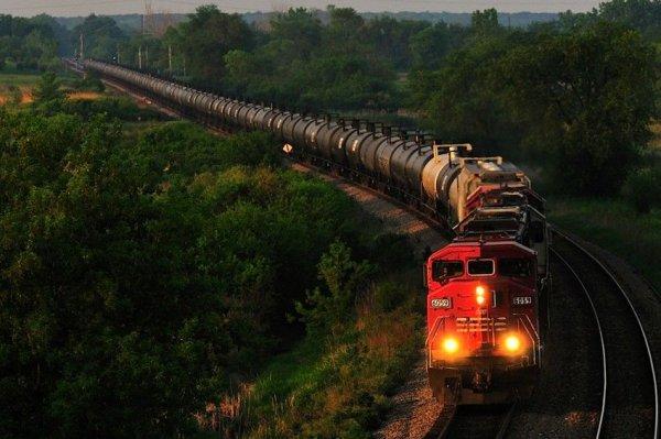 В Москве поезд насмерть сбил 16-летнего пареня