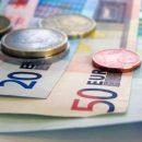 Курс евро в России впервые с ноября 2016 года достиг 70 рублей