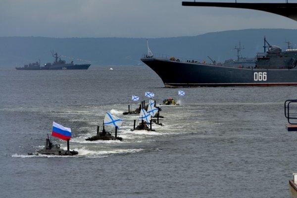Во Владивостоке погиб мужчина, наблюдающий за парадом кораблей в честь Дня ВМФ
