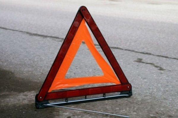 В аварии с такси на юге Москвы пострадали четыре человека