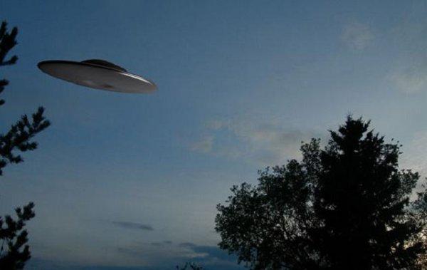 Жители Прикамья увидели НЛО и запечатлели его на камеры