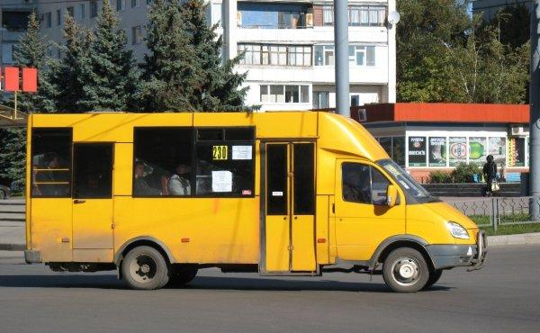 В Ростове столкнулись маршрутка и троллейбус, есть пострадавшие