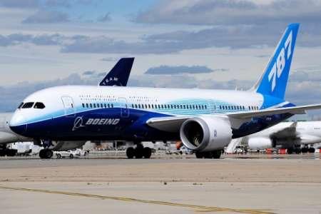 Boeing 787-8 Dreamliner нарисовал сам себя в небе над Америкой