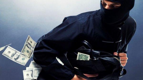 В Москве грабители вывезли банкомат из ТЦ на тележке