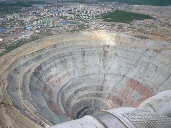 СК и прокуратура начали проверку по факту подтопления рудника «Мир» в Якутии