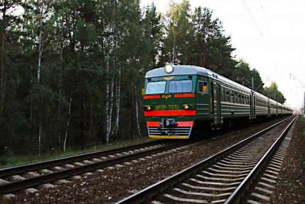 Под Ростовом электропоезд сбил мужчину, перебегавшего пути