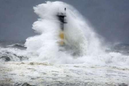 Тайфун «Нору» в Японии: есть жертвы и пострадавшие, 14 000 семей остались без электричества. ФОТО, ВИДЕО