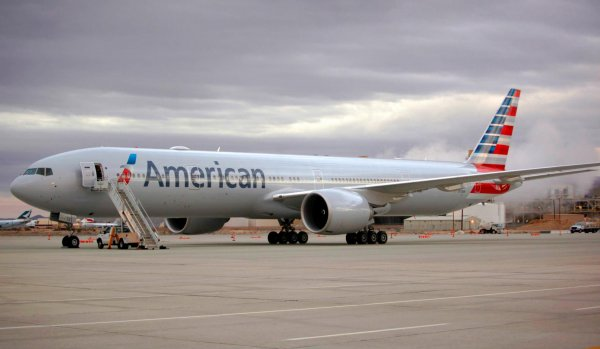Из-за турбулентности пассажиры рейса American Airlines оказались травмированы