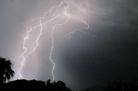 В вершину горы Мауна-Кеа на Гавайях ударила молния из космоса. ВИДЕО