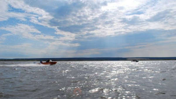 На реке в Якутии пропали три человека