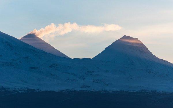 На Камчатке ведутся поиски пропавшей у вулкана девушки