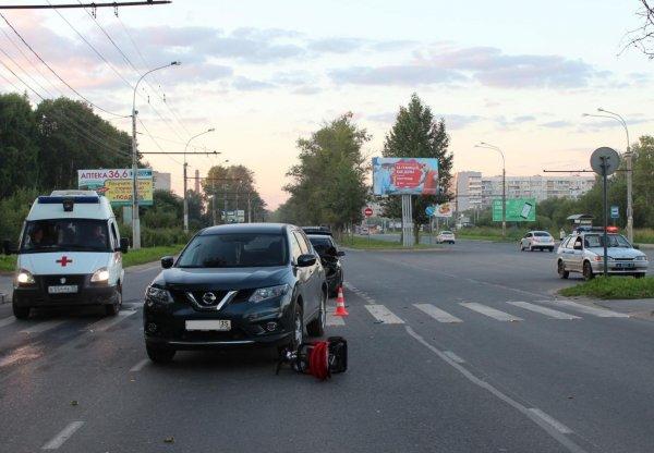 Детская коляска в ДТП в Вологде оказалась под внедорожником