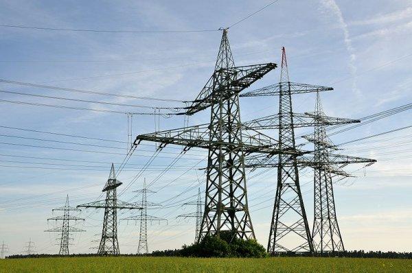В Пермском крае погиб школьник, делая селфи на электростолбе