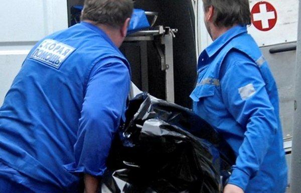 В Астрахани под мостом влюбленных нашли труп полицейского