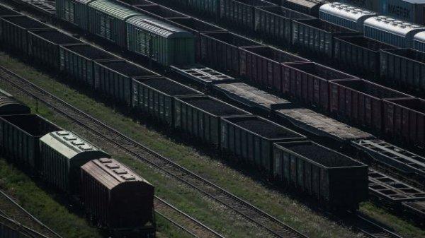В вагоне товарного поезда возле Биробиджана нашли двух подростков