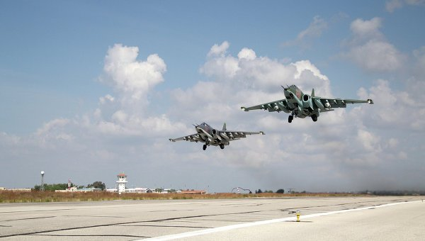 ВКС РФ разбили боевиков ИГ на пути в Дейр-эз-Зор