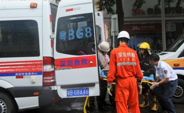 Авария с участием микроавтобуса произошла в Китае