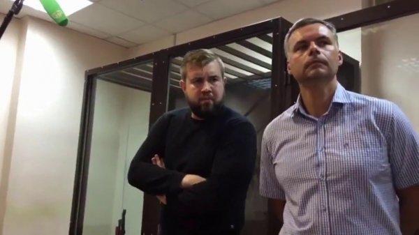 Ударившему журналиста в День ВДВ мужчине назначили 6 месяцев исправительных работ