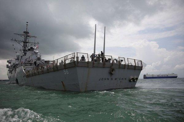 В США эвакуируют базы ВМС из-за угрозы урагана Харви