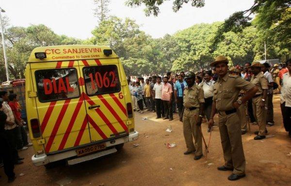 Число жертв беспорядков в Индии достигло 30 человек