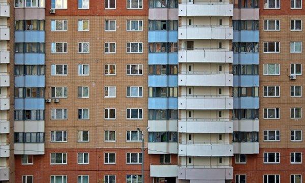 В Екатеринбурге из окна выпала местная девушка