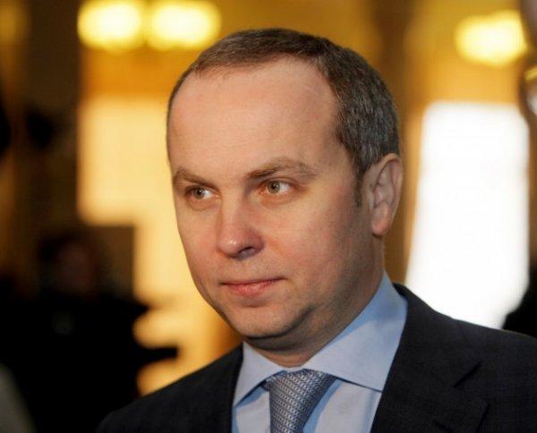 В Киеве сын народного депутата наехал на пешехода на чужом Bentley