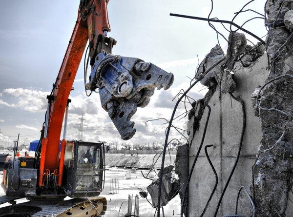 В Орле из-за обрушения жилого дома был введен режим ЧС