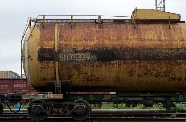 В Башкирии на ж/д станции произошла утечка метанола