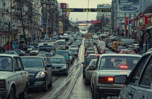 В Ростове во время пробки пара занималась сексом в машине