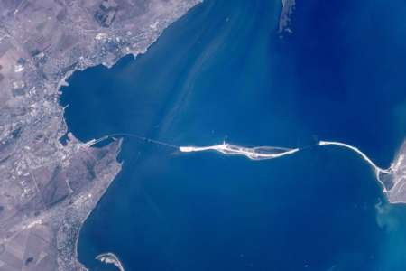 Космонавты показали как выглядит Крымский мост с МКС