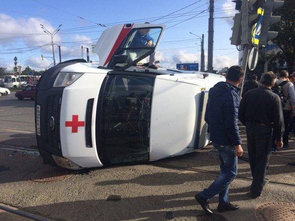 В ДТП в Ульяновске при участии «скорой помощи» пострадал несовершеннолетний