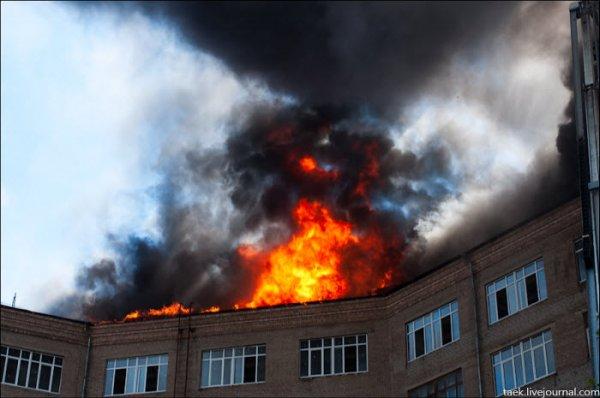 В Воронеже эвакуировали 7 человек вследствие пожара в двухэтажном доме