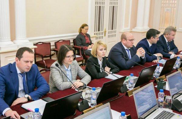 Правительство Югры выделит 3 млн рублей пострадавшим при столкновении поезда и грузовика