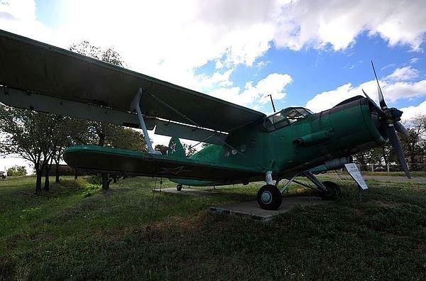 Легкомоторный самолет был вынужден совершить аварийную посадку в Кронштадте