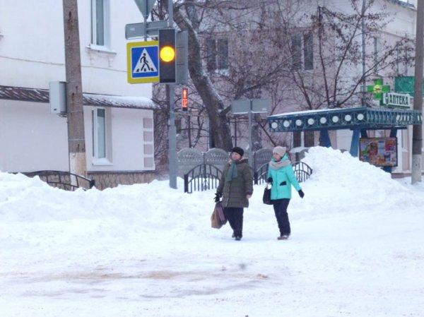 На севере Свердловской области выпал первый снег и обледенели дороги