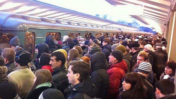 На фиолетовой ветке столичного метро произошел сбой