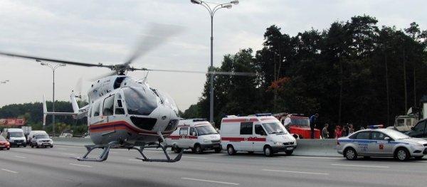 В Москве пятилетнего ребенка с места ДТП эвакуировали вертолетом