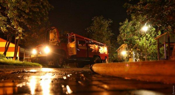Девочка спасла восемь детей при пожаре в лагере в Одессе
