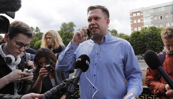 Напавший на руководителя московского штаба Навального хулиган задержан