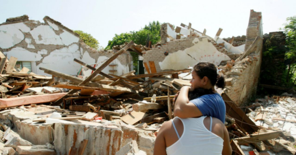 Жертвами мощного землетрясения в Мексике стали более 200 челове