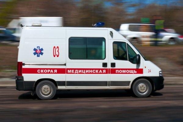Появилось видео с ДТП в Москве, в котором Mersedes врезался в