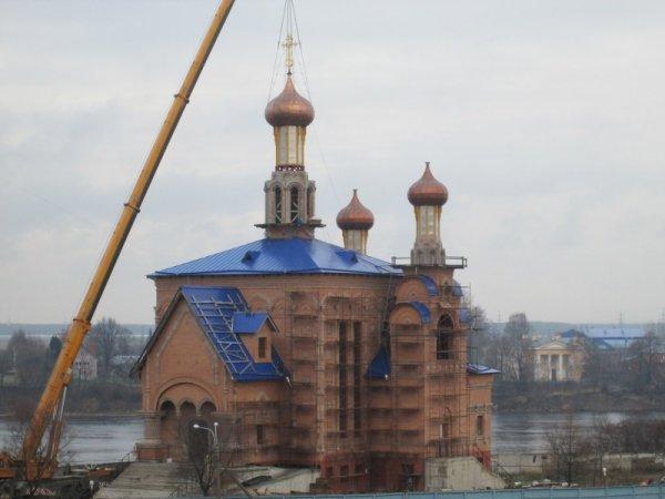 Сотни человеческих костей обнаружили возле храма в Санкт-Петербурге