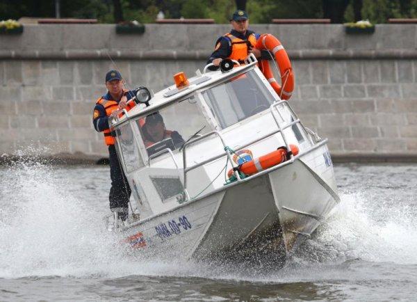 Спасатели извлекли из Москвы-реки тонущего школьника