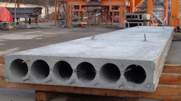 В Оренбурге спасли 8-летнего мальчика, застрявшего между бетонных плит