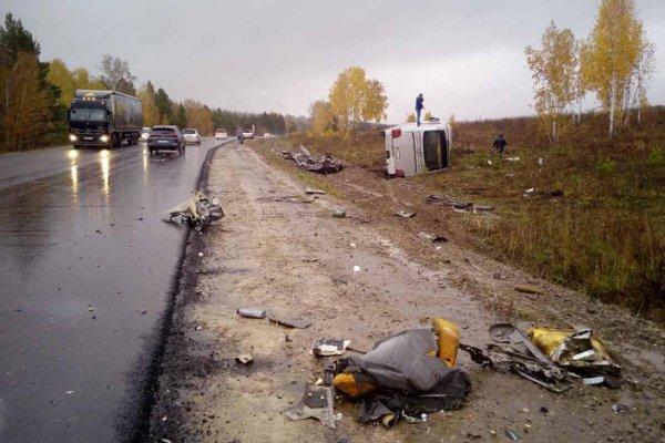 В Иркутской области автобус с 50 пассажирами попал в смертельное ДТП