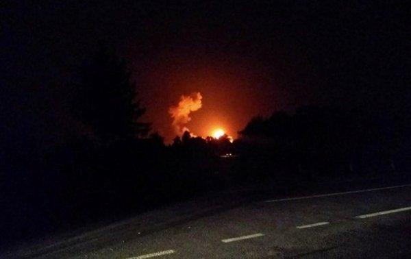 Под Винницей тушат масштабный пожар на складе боеприпасов
