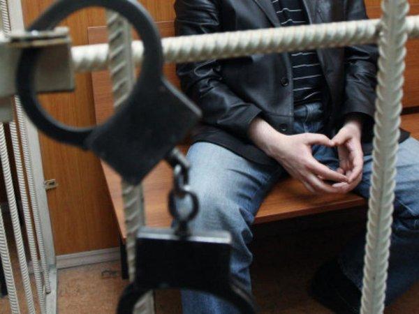 В Барнауле осужден мужчина искусавший полицейского