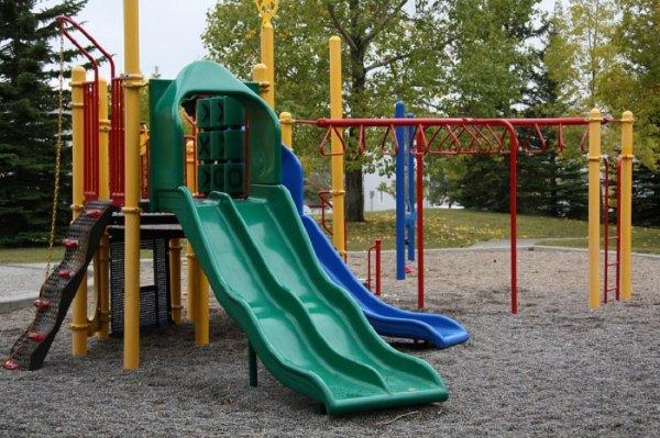 В Барнауле строительная плита упала на 9-летнего мальчика