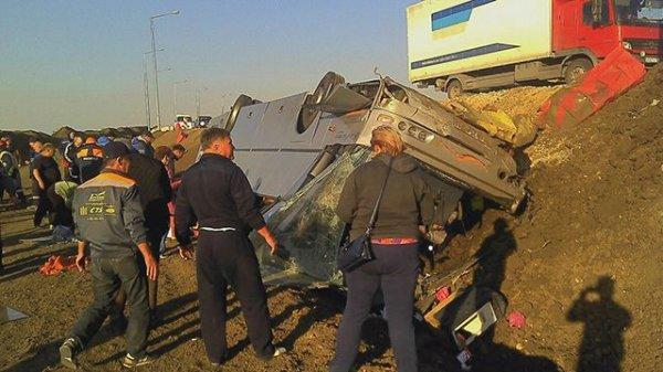 В Крыму у Керченской переправы перевернулся автобус, есть пострадавшие