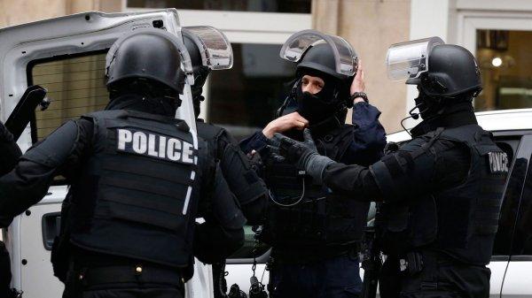 В результате нападения на вокзале Марселя погибли два человека